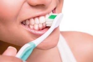 Causas de la abrasión dental