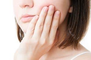 Molestias en la boca por un tratamiento de ortodoncia en adultos