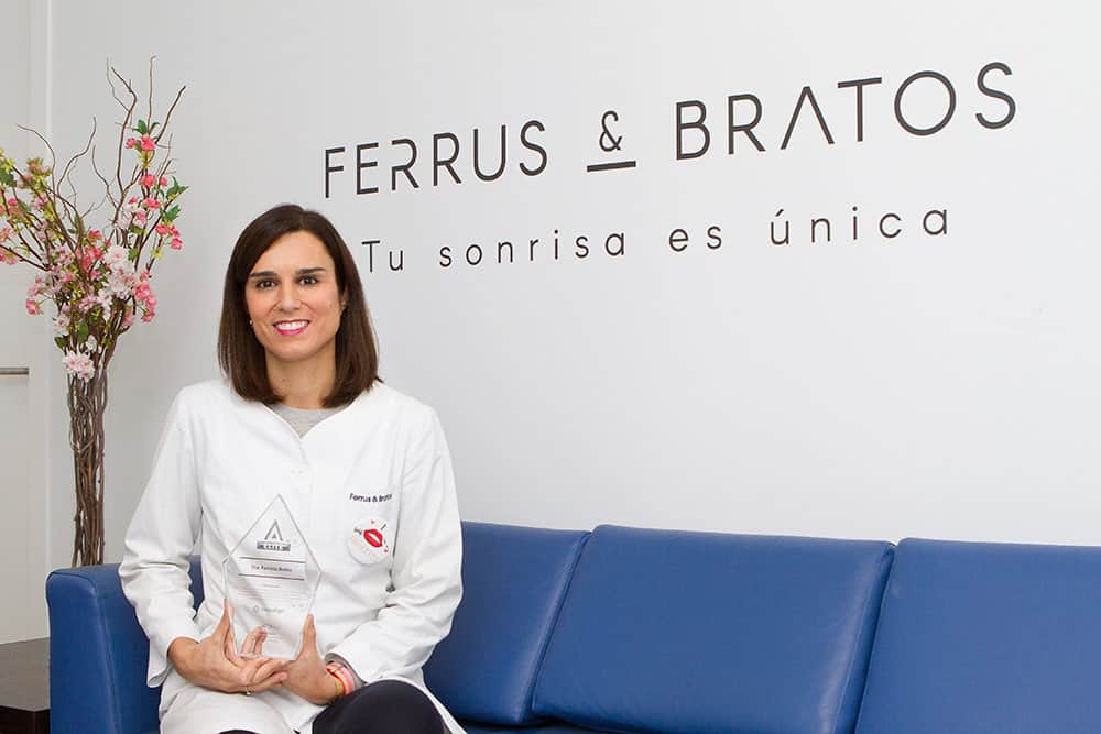 Dra. Patricia Bratos Premio Club Advantage Elite Invisalign