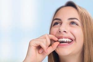 Ortodoncia invisible Invisalign para adolescentes