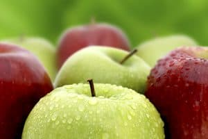 Comer manzanas con brackets