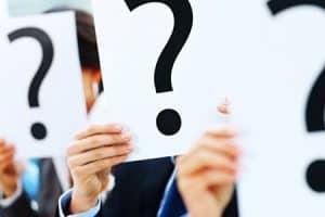 Pacientes preguntan dudas sobre implantes