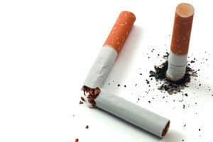 Tabaco disminuye el éxito de implantes