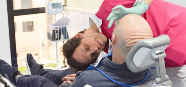 Paciente con dentadura removible