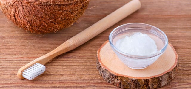 Enjuague bucal con oil pulling