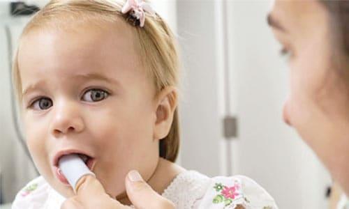 limpiar-dientes-bebe