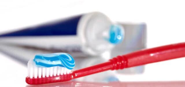 Higiene en diente apiñados