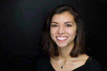 Caso real de ortodoncia con Invisalign e implantes