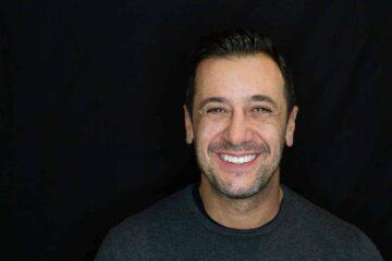 Experiencia de tratamiento de ortodoncia con Invisalign y blanqueamiento dental