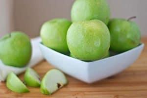 Manzana buena para higiene dental