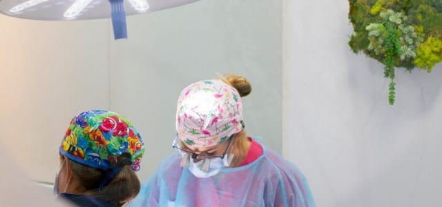 Doctoras en la clínica